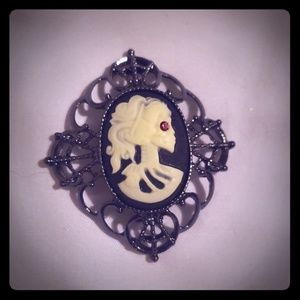 Gothic style metal brooch pin